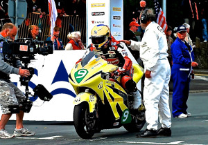 IOM_Start_LightningSuperBike[1]